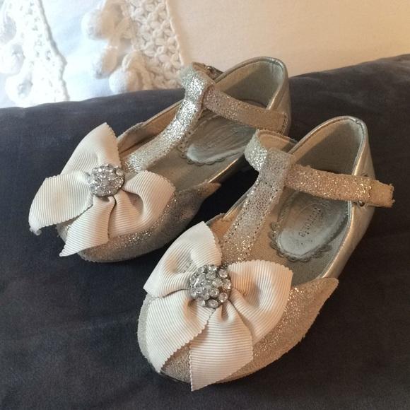 Joyfolie Other - Joyfolie girls Gemma champagne silver dress shoes